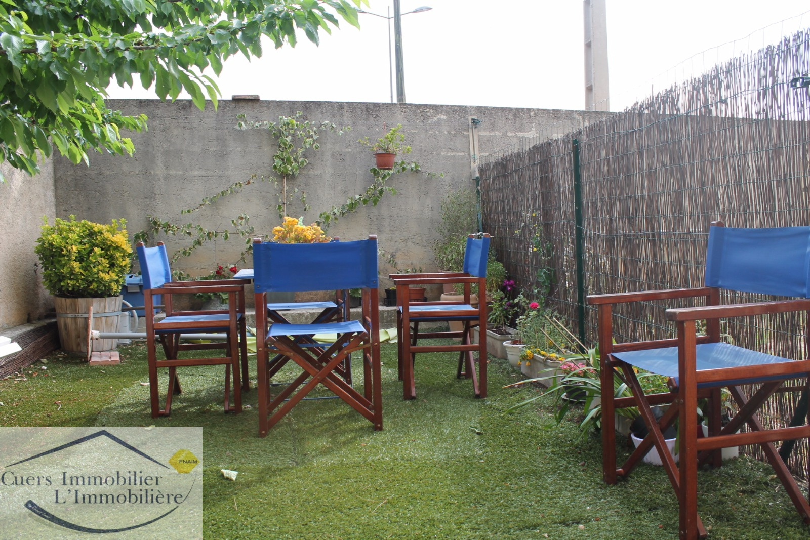 Location cuers t2 rez de jardin for Rez de jardin